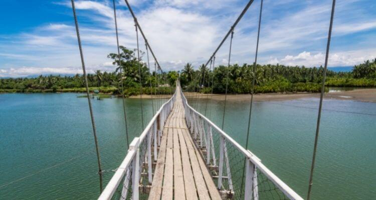Baler - Philippinen - Hanging Bridge